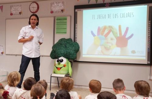 Alberto Alapont presentando El juego de los colores