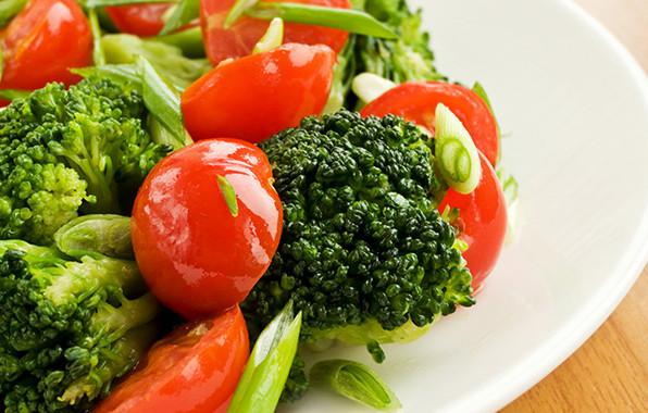 Brocoli-con-tomate