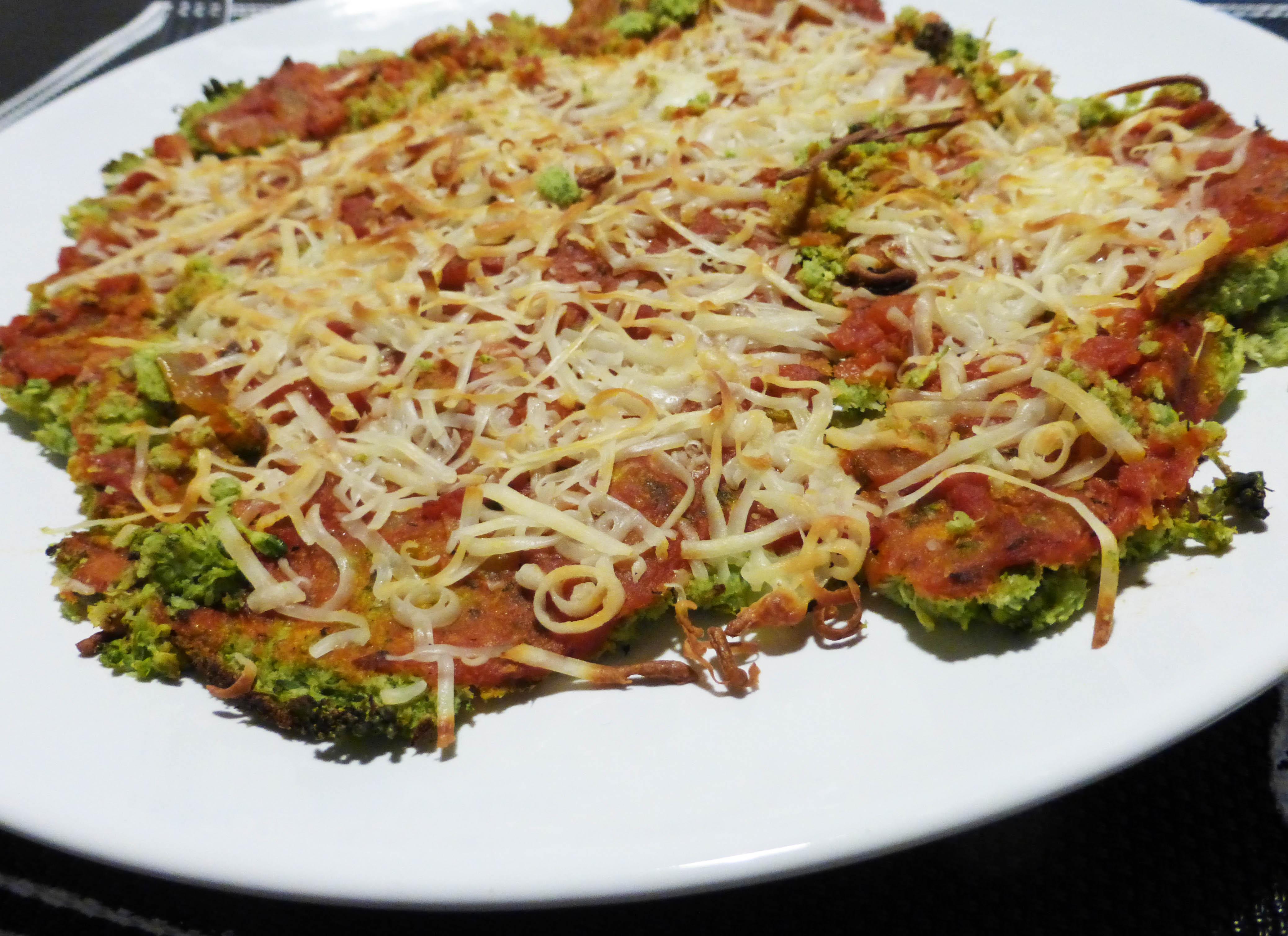 Pizza con masa de brócoli - Brócoli Pasión