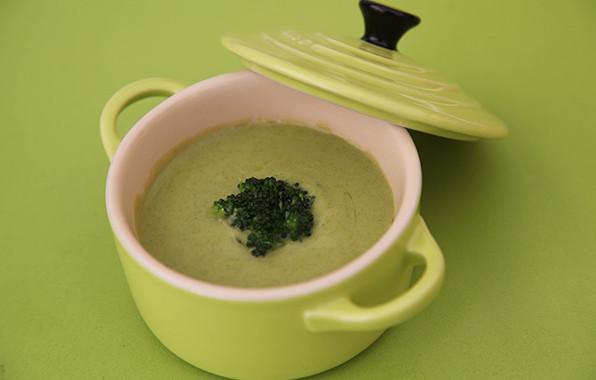 receta-bp-sopa-de-brocoli-con-bunuelos-bacalao
