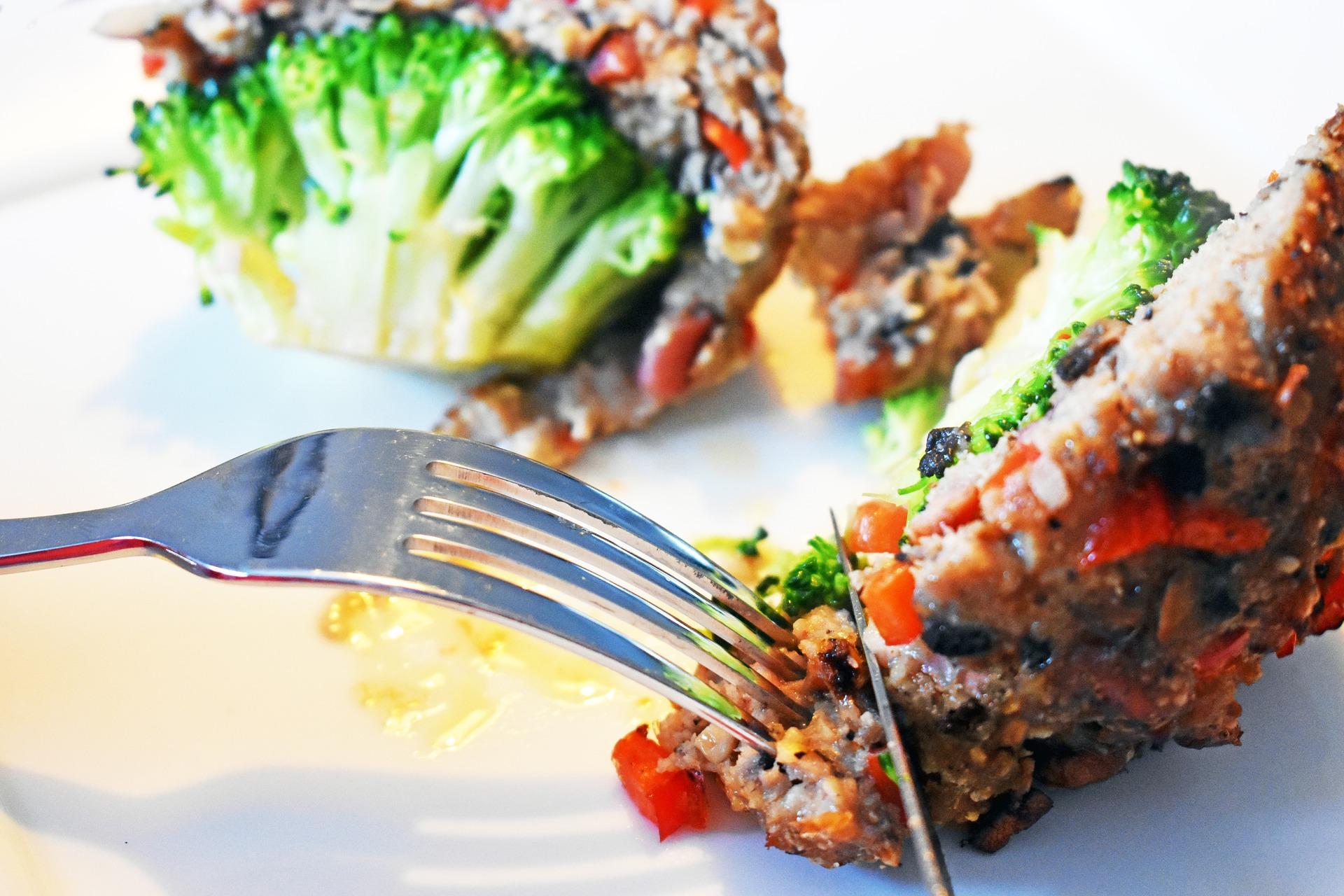 Bolas de arroz rellenas de brócoli